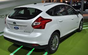 2013 ford focus electric first look motor trend