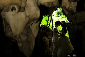 pre wedding photo in japan gangala cave okinawa japan la vie
