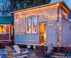 on wheels is the new off grid u2013 a guide to tiny houses survivopedia