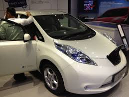 nissan leaf zero emission white nissan leaf youtube