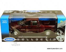 dodge ram toys 2002 dodge ram 1500 box up by welly 1 18 scale