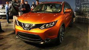 orange nissan rogue 2017 nissan rogue sport detroit 2017 motor1 com photos