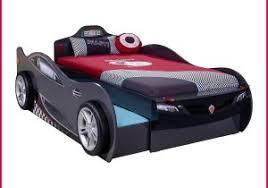 canape enfant cars lit enfant cars 308312 canapé lit gonflable cars lestendances