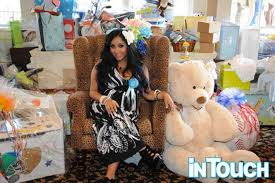 baby shower for to be snooki shows gifts at baby shower ny daily news
