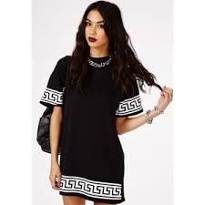 missguided kikita greek key print oversized t shirt dress in