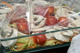 cuisine en papillote papillote de saumon et petits légumes croquants les délices de
