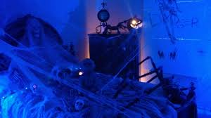 haunted house halloween decorations 5 festive halloween door decorating ideas from pinterest