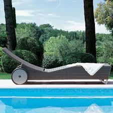 Outdoor Wicker Chaise Lounge Rausch Daytona Outdoor Wicker Chaise Lounge Homeinfatuation
