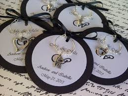 rehearsal dinner favors custom hearts and wine charm favors weddings bridal