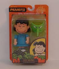 lucy van pelt halloween mask amazon com peanuts poseable u2013 lucy van pelt with green witch mask