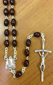rosaries blessed by pope francis newpop47 jpg