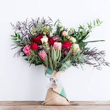 Metz Flowers - how to buy valentine u0027s day flowers the right way according to