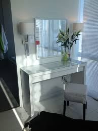 Makeup Vanity Table With Lights Best 25 Small Vanity Table Ideas On Pinterest Small Dressing
