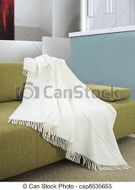 ou jeter un canapé canapé drapé sur blanc jeter canapé sur drapé blanc