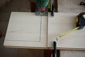 Saw Blade To Cut Laminate Flooring Jigsaw Cutting Techniques Howtospecialist How To Build Step