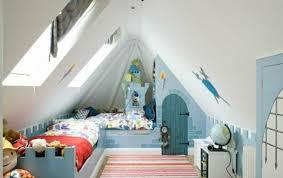 kinderzimmer mit schräge babyzimmer fr jungs haus design ideen