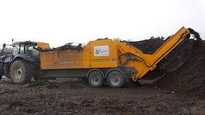 tracteur en bois broyeur à marteaux prise de force tracteur 300 ch veguemat youtube