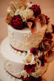 fall wedding cakes 10 wedding cakes to inspire your fall wedding gracious bridal