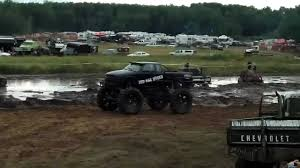 Howies by Reckless Mud Truck Jumps At Howies Mud Bog 2011 Youtube