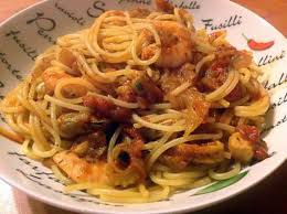 cuisiner cocktail de fruits de mer surgelé recette de spaghettis aux fruits de mer à l ail et aux tomates