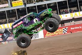 grave digger monster truck wallpaper monster truck grave digger by brandonlee88 on deviantart