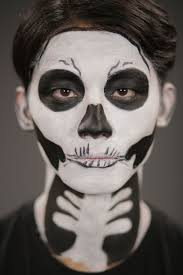 Halloween Skeleton Faces by How To Create Easy Skeleton Makeup With Drugstore Eyeliner
