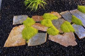 5 Rock Landscaping Ideas