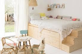 chambre lit un lit cabane dans une chambre d enfant blueberry home