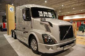 volvo tractor trailer photo gallery trucks engines and more at tmc 2015 fleet owner