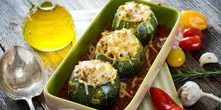 cuisiner courgette ronde courgettes rondes farcies au chorizo poivron oeuf et tomate mes
