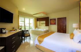 all inclusive resorts accommodations moon palace cancun
