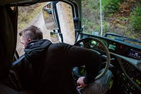 volvo trucks europe fewer injuries at work with volvo dynamic steering volvo trucks