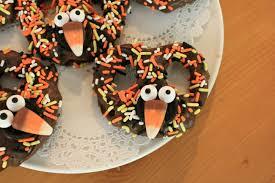 chocolate turkey pretzels for thanksgiving crafts a la mode