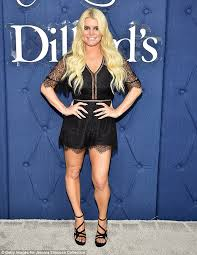 jessica simpson pokes fun at chicken tuna question daily mail online