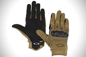 Hand To Hand The 8 Best Tactical Gloves Hiconsumption