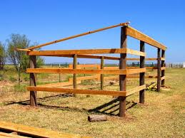 How To Build A Lean To Shed Plans by Best 25 Horse Shelter Ideas On Pinterest Field Shelters Horse