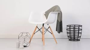 Eames Plastic Armchair Daw Eames Daw Plastic Armchair Product Overview Popfurniture Youtube