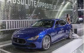maserati quattroporte 2015 blue 2015 maserati quattroporte and ghibli receive updates