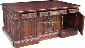 reproduction of the resolute desk