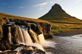 famous waterfalls amazing facts about iceland u0027s waterfalls arctic adventures