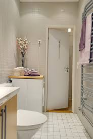 decorating ideas small bathroom small bathroom decorating ideas on a budget small bathroom