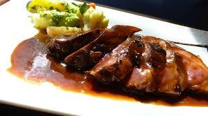 que cuisiner pour un repas en amoureux magret de canard au caramel d épices plat idéal pour un diner en