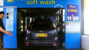 nettoyage si e voiture impressionnant le lavage auto à rouleaux entièrement é avec