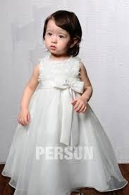 robe mariage enfants robe mariage enfant blanche à froufrou ornée dun nœud papillon