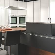 cuisine facade verre façades matières et poignées au choix pour votre cuisine et