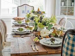 Easy Thanksgiving Table Decorations How To Create A Harvest Inspired Thanksgiving Centerpiece Hgtv