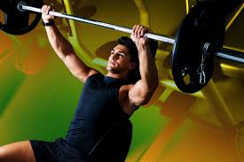 Bench Press By Yourself How To Bench Press The Right Way According To Personal Trainers Gq