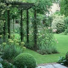 Fascinating 60 Garden Ideas Cheap by Best 25 Back Garden Design Ideas On Pinterest Potted Bamboo