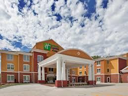 Comfort Inn And Suites Downtown Kansas City Holiday Inn Express U0026 Suites Kansas City Sport Complex Area Hotel