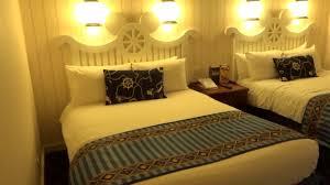 chambre standard hotel york disney disneyland newport bay hotel room tour
